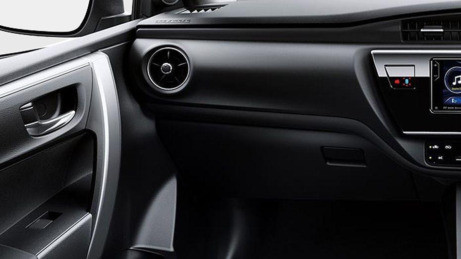 Toyota Corolla Altis (2018) Interior 010