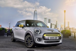 MINI renames the 'Corona Spoke' wheel for electric MINI SE