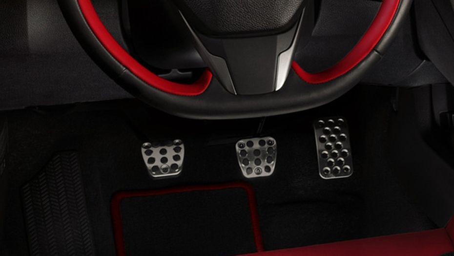 Honda Civic Type R (2018) Interior 003