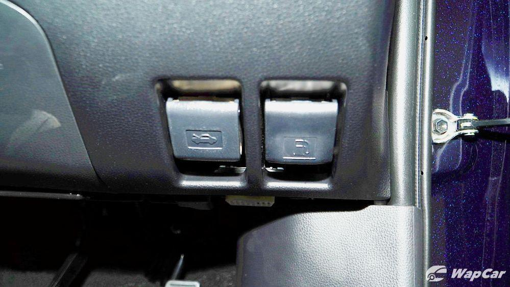 2020 Toyota RAV4 2.5L Interior 091