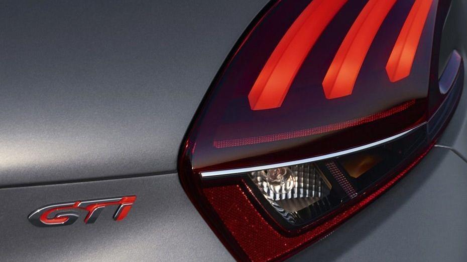 Peugeot 208 GTi (2018) Exterior 010