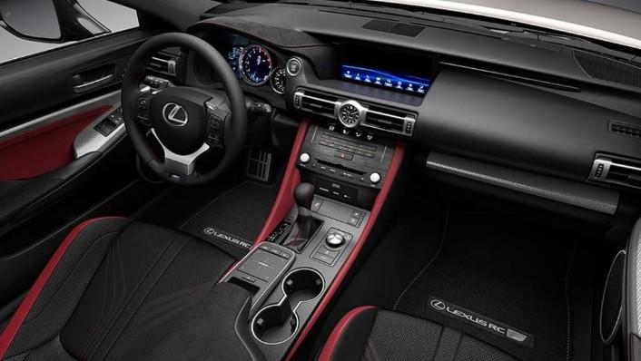 Lexus RC F (2020) Interior 001