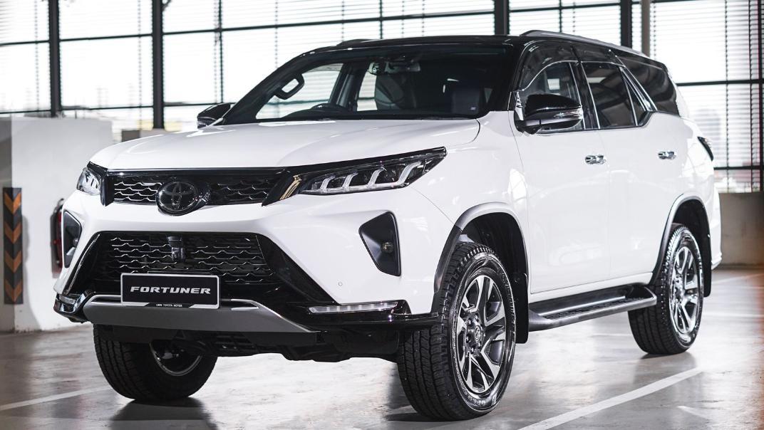 2021 Toyota Fortuner 2.8 VRZ AT 4x4 Exterior 001