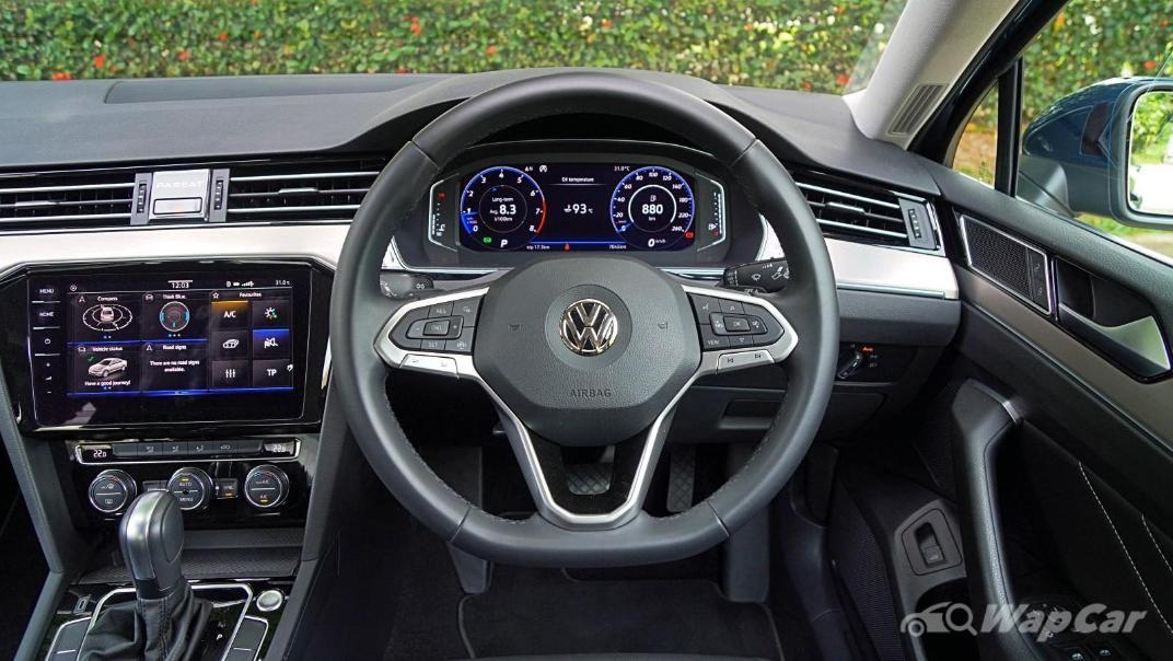 2020 Volkswagen Passat 2.0TSI Elegance Interior 002