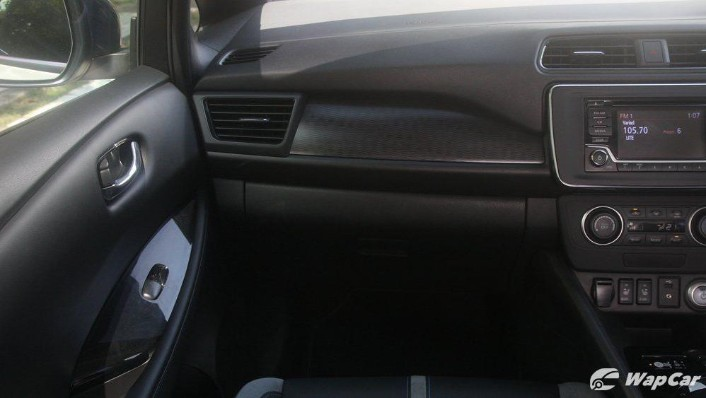 2019 Nissan Leaf Interior 004