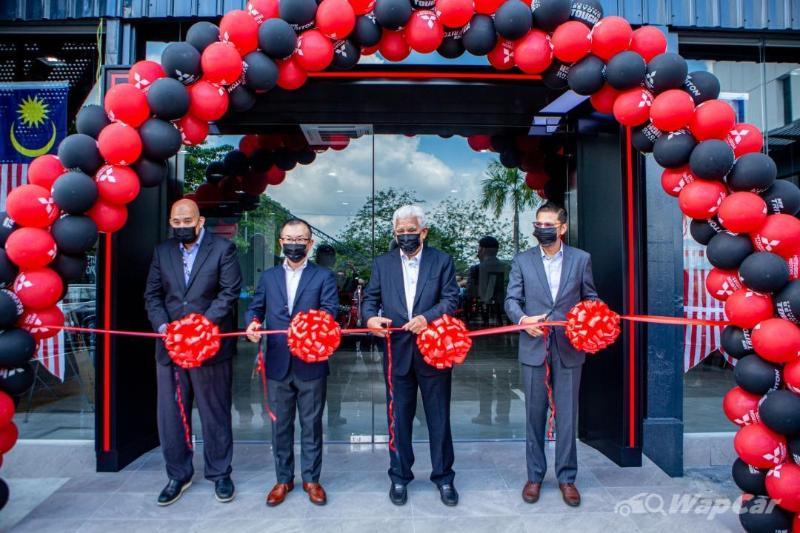 Bilik pameran Mitsubishi Motors terbaru dibuka di PJ, Selangor! 02