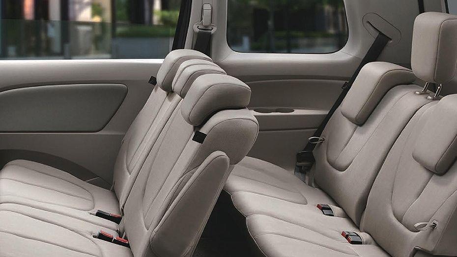 Mazda Biante (2017) Interior 009