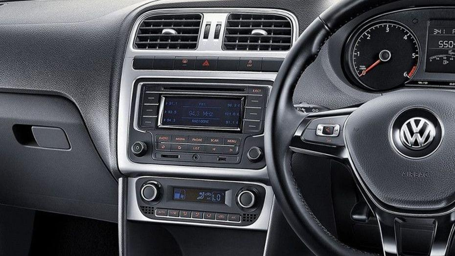 Volkswagen Polo (2018) Interior 004