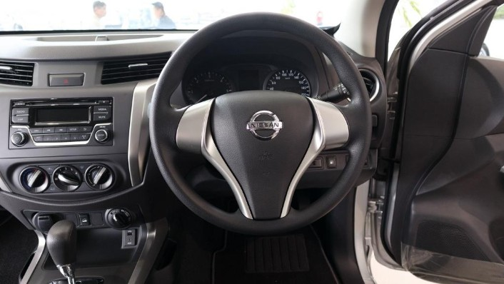 2018 Nissan Navara Single Cab 2.5 (M) Interior 005