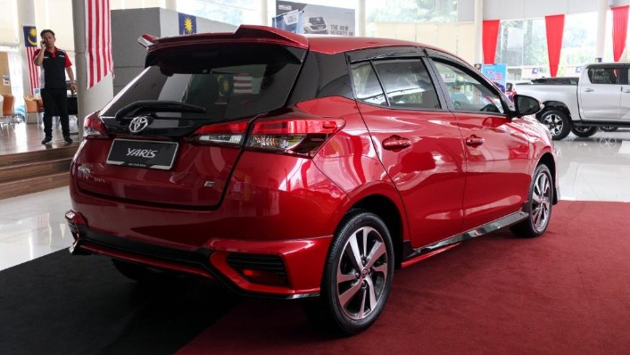 2019 Toyota Yaris 1.5E Exterior 003