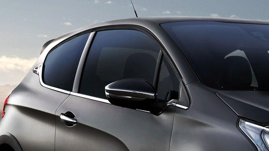 Peugeot 208 GTi (2018) Exterior 006