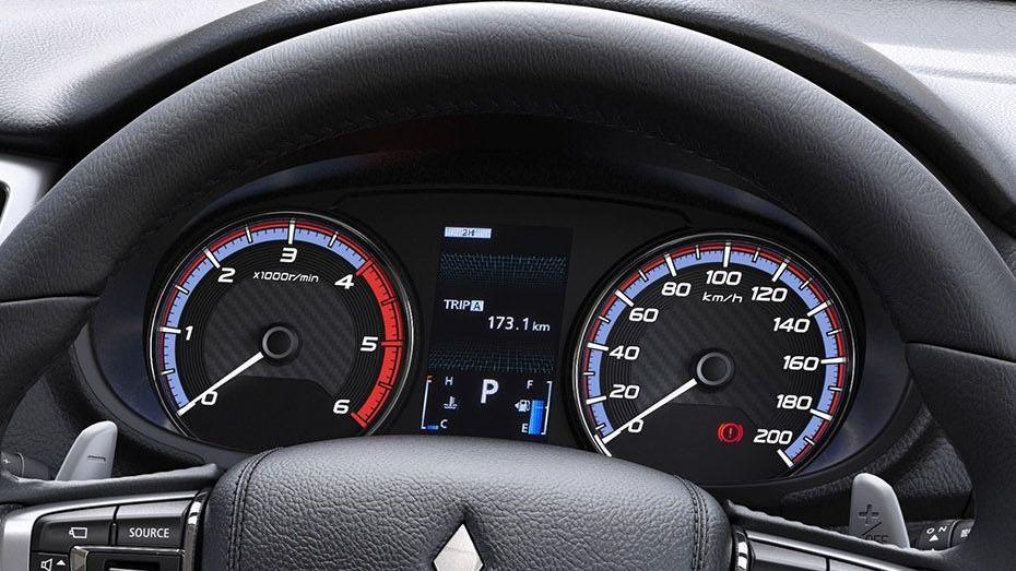 Mitsubishi Triton (2019) Interior 003