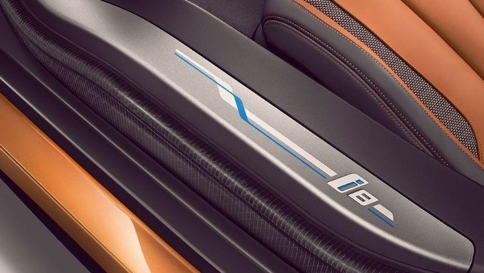 BMW i8 Coupe (2019) Interior 008