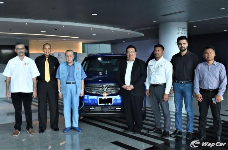 Dark blue Proton X70 for Tengku Laksamana Selangor, Rakyat to get different blue 02