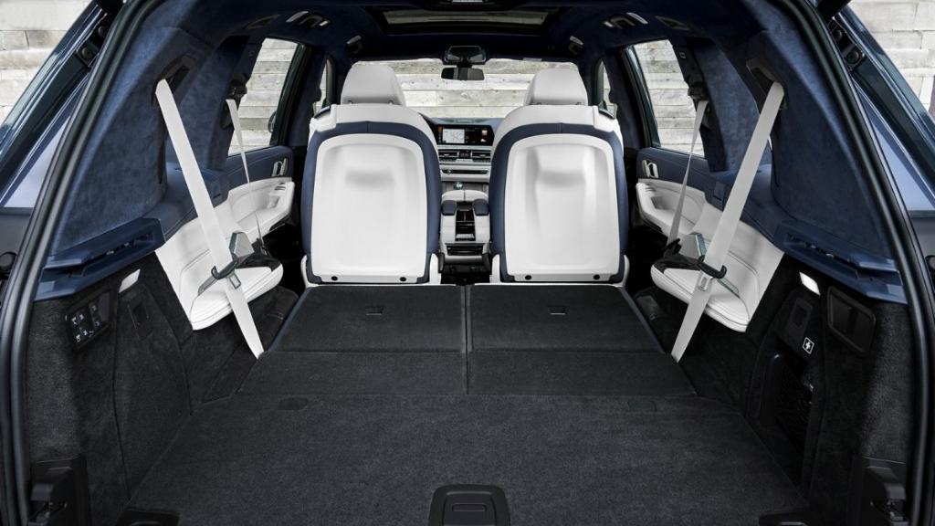 BMW X7 (2019) Interior 015