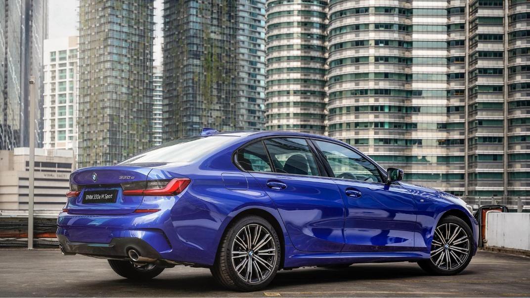 2020 BMW 3 Series 330e Exterior 007