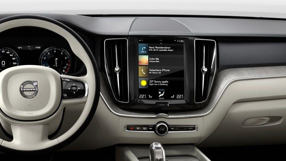 Volvo XC60 (2018) Interior 003