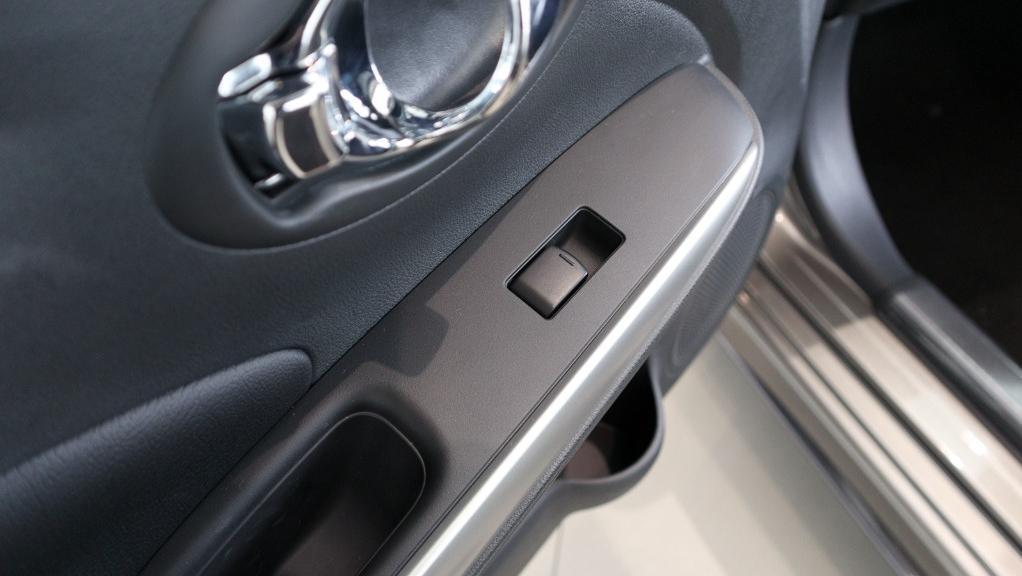 2018 Nissan Almera 1.5L VL AT Interior 024