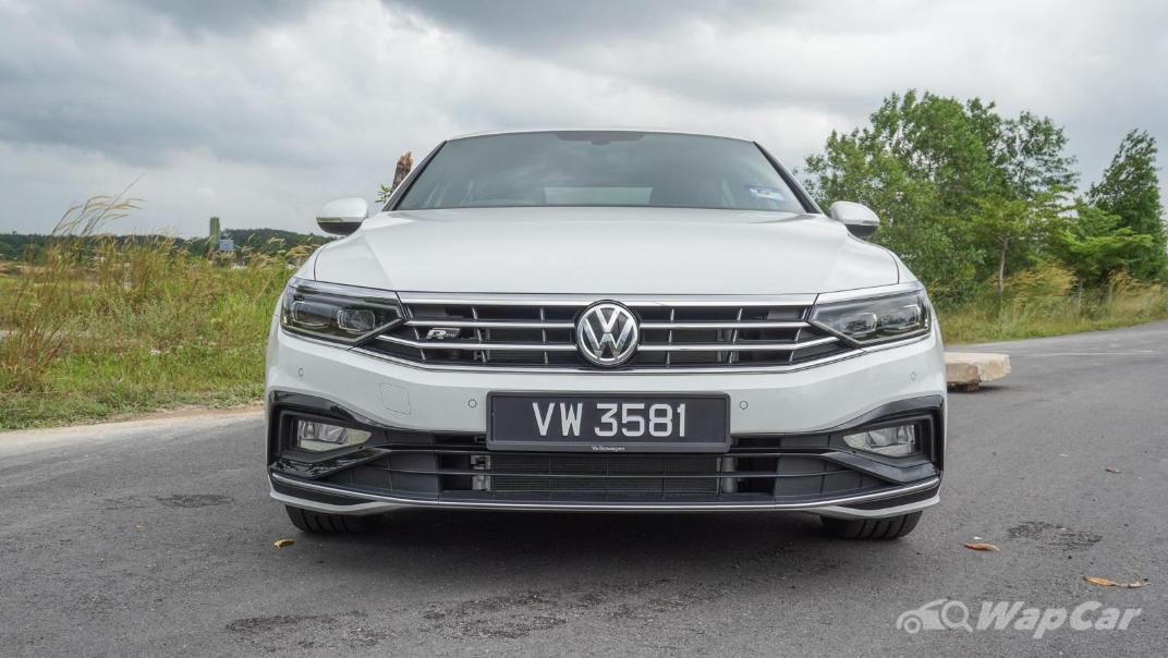 2020 Volkswagen Passat 2.0TSI R-Line Exterior 001