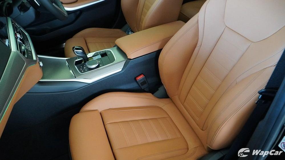 2019 BMW 3 Series 330i M Sport Interior 046