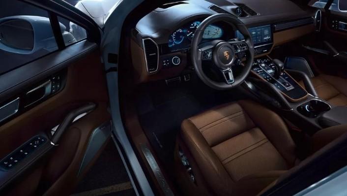 Porsche Cayenne (2019) Interior 003