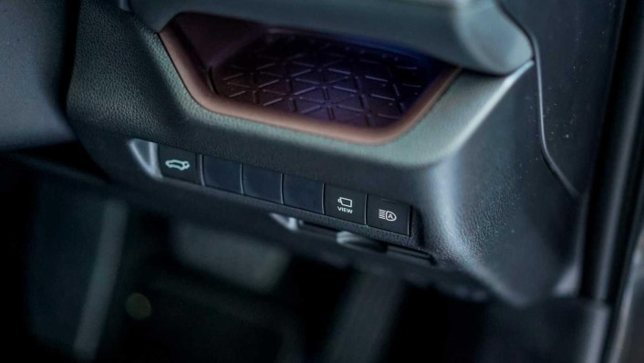 2020 Toyota RAV4 2.5L Interior 009