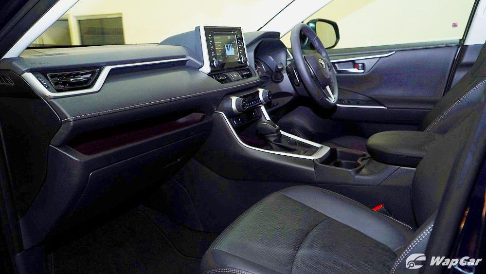 2020 Toyota RAV4 2.5L Interior 034