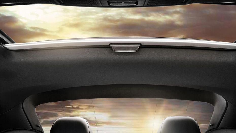 Volkswagen Beetle (2018) Interior 012