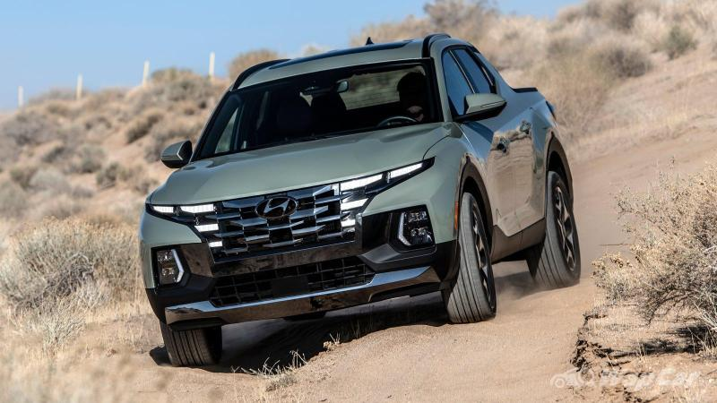 Not your Hilux, the Hyundai Santa Cruz is a unibody, pick-up version of the Tucson 02