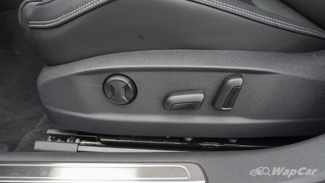 2020 Volkswagen Passat 2.0TSI R-Line Interior 015
