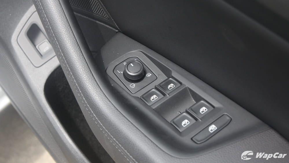 2018 Volkswagen Passat 2.0 TSI Highline Interior 035