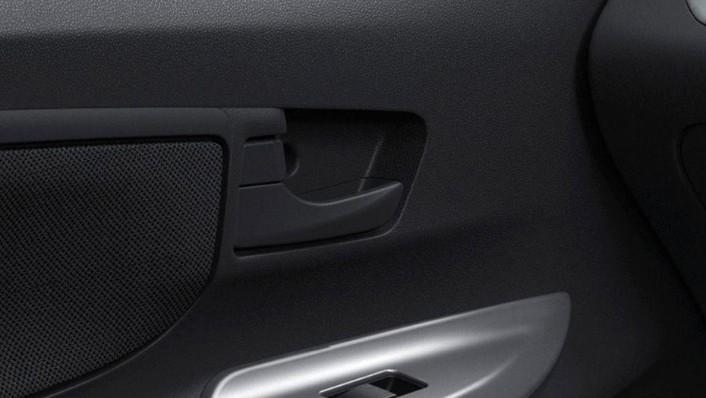 Toyota Avanza (2019) Interior 005