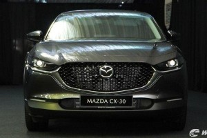 Bermaz adds AWD variant (RM 12k more) to Mazda CX-30 range, keyless Smart Entry now standard