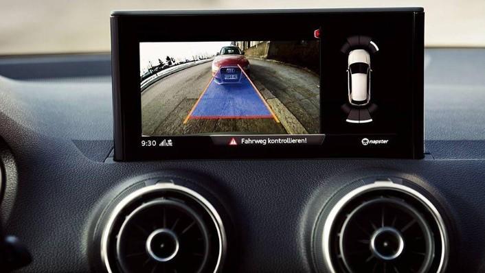Audi Q2 (2019) Interior 006