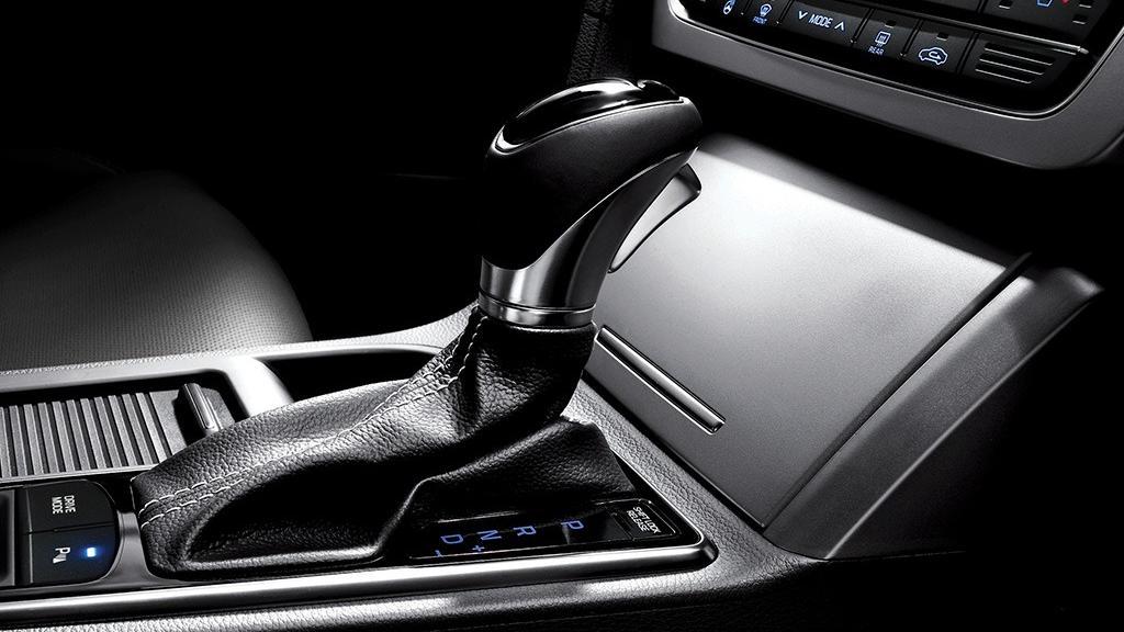 Hyundai Sonata (2017) Interior 011