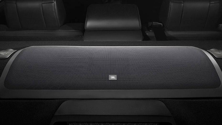 Toyota Camry (2019) Interior 013