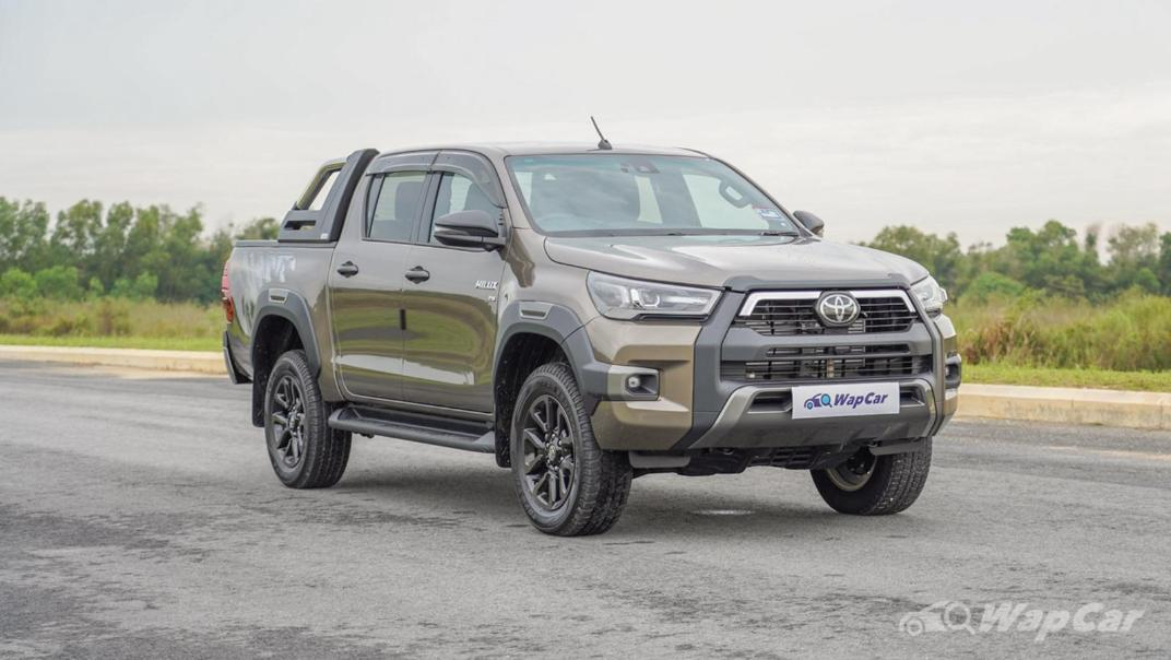 2020 Toyota Hilux Double Cab 2.8 Rogue AT 4X4 Exterior 003