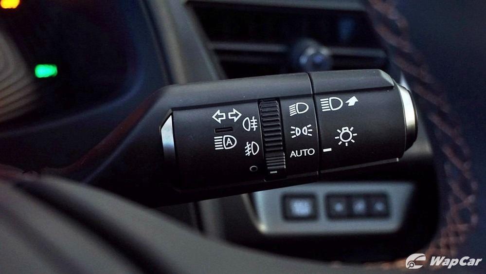 2020 Lexus UX 200 Luxury Interior 009