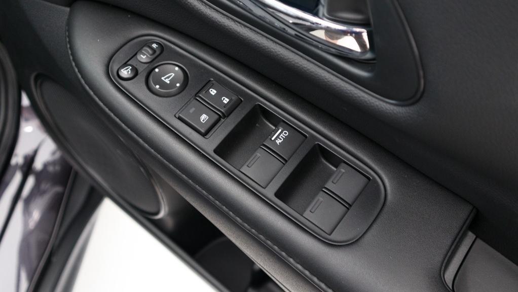 2019 Honda HR-V 1.8 E Interior 027