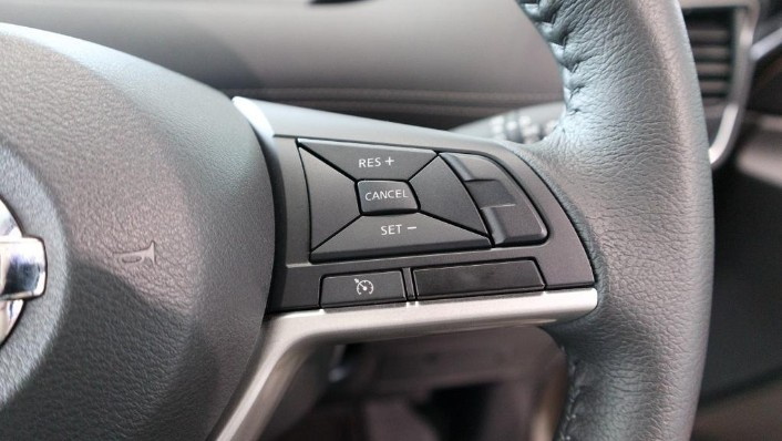 2018 Nissan Serena S-Hybrid Highway Star 2.0 Interior 009