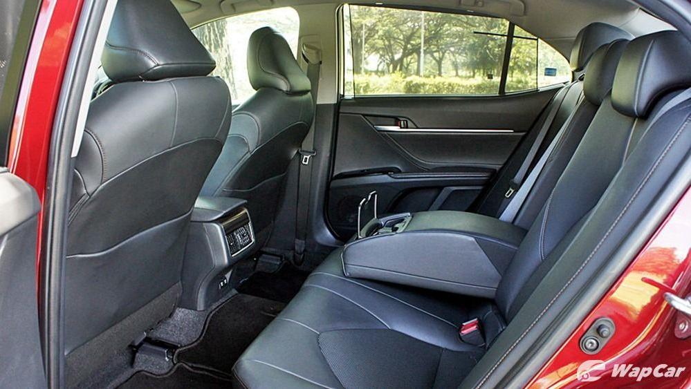 2019 Toyota Camry 2.5V Interior 105