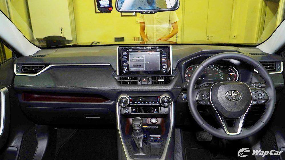 2020 Toyota RAV4 2.5L Interior 029