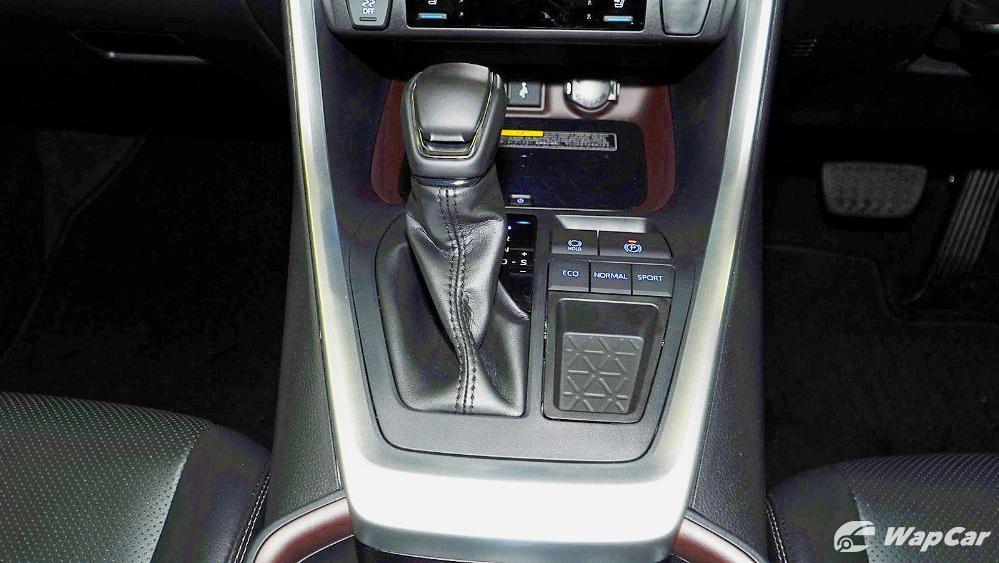 2020 Toyota RAV4 2.5L Interior 068
