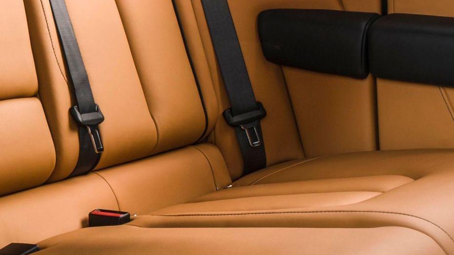 2018 Rolls-Royce Cullinan Cullinan Interior 018