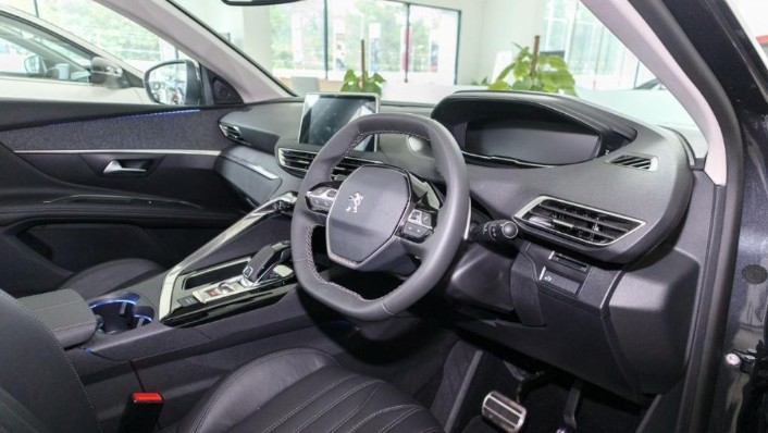 2019 Peugeot 5008 THP Plus Allure Interior 002