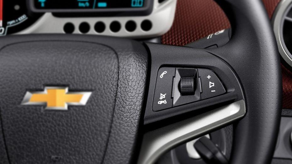 Chevrolet Sonic Sedan (2016) Interior 003