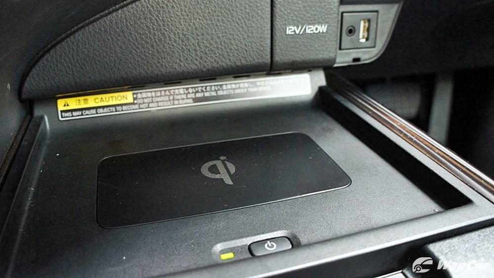 2019 Toyota Camry 2.5V Interior 122