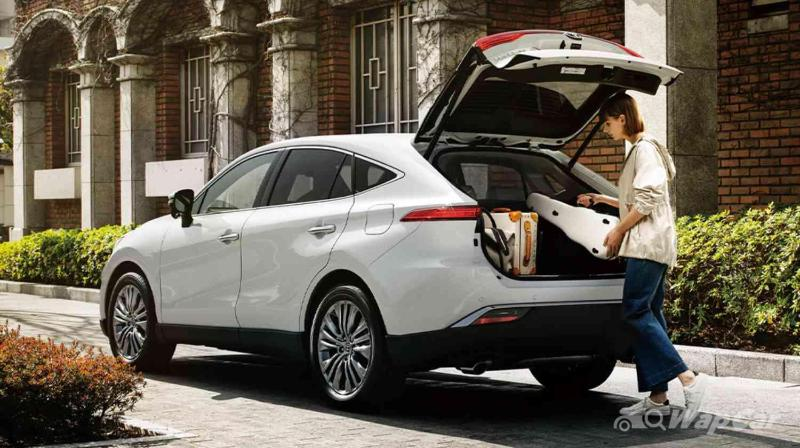RM 249k 2021 Toyota Harrier vs RM 236k Lexus UX: Why Toyota when you can Lexus? 02