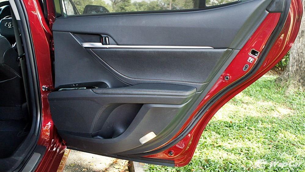 2019 Toyota Camry 2.5V Interior 100