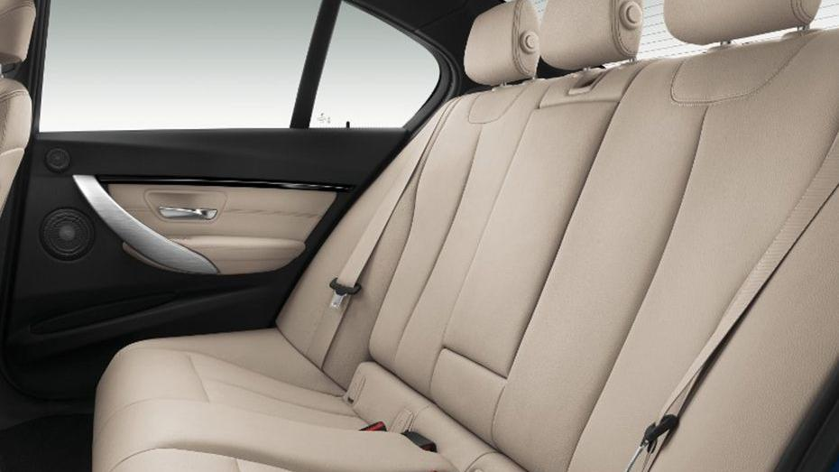 BMW 3 Series (2019) Interior 015